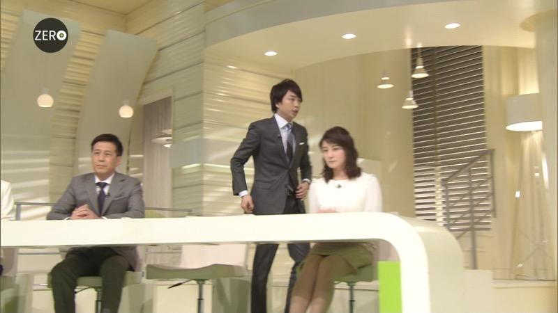 【放送事故画像】日テレ女子アナの久野静香さん太ももを見せたりヤバい表情を画面に晒してしまうwwww 54
