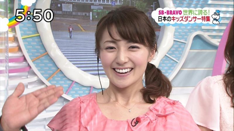 【放送事故画像】日テレ女子アナの久野静香さん太ももを見せたりヤバい表情を画面に晒してしまうwwww 73