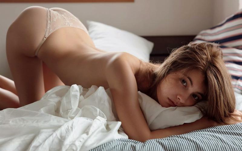【タレント下着エロ画像】綺麗な美人タレント達が身につけたセクシーランジェリー姿がめちゃシコい!