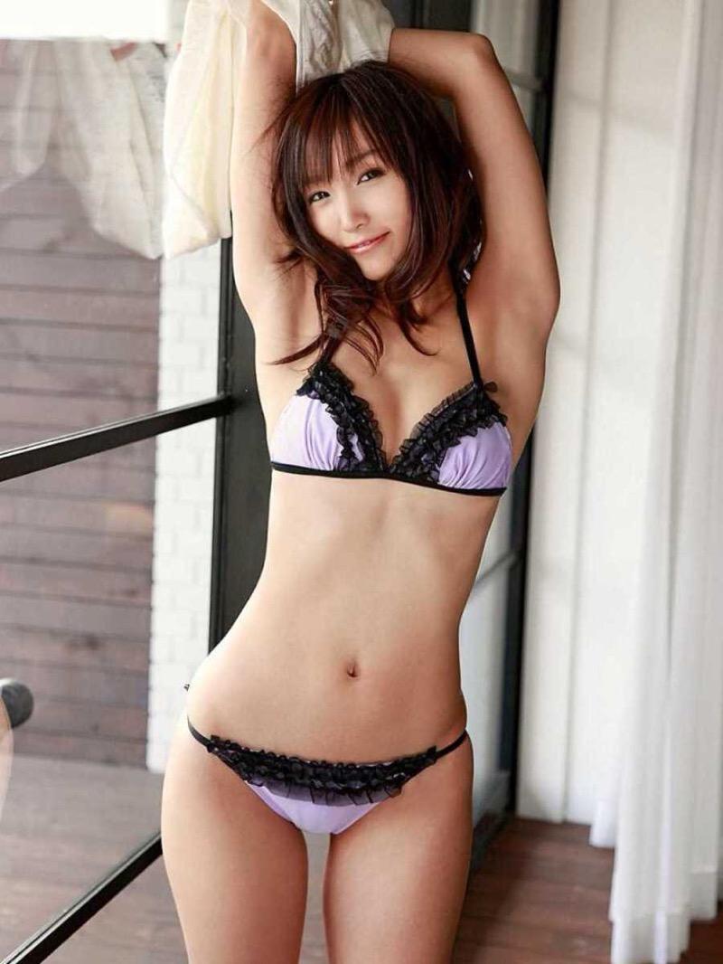 【タレント下着エロ画像】綺麗な美人タレント達が身につけたセクシーランジェリー姿がめちゃシコい! 57