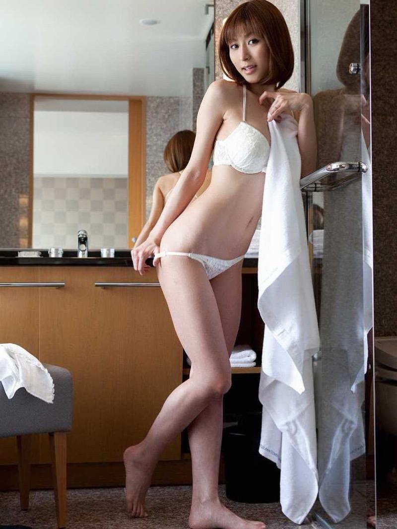 【タレント下着エロ画像】綺麗な美人タレント達が身につけたセクシーランジェリー姿がめちゃシコい! 65