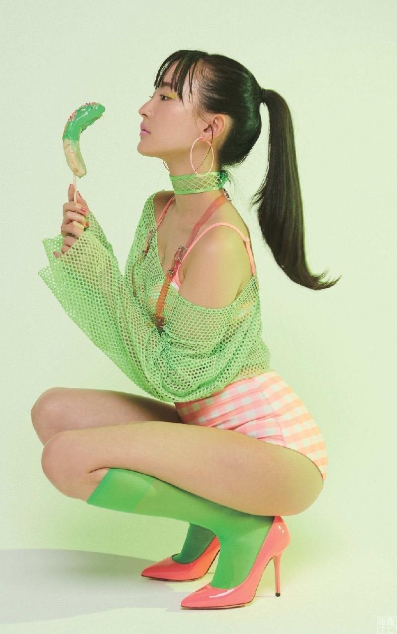 【高崎かなみグラビア画像】清純系美少女という雰囲気が可愛くてスレンダーボディがたまらない! 15