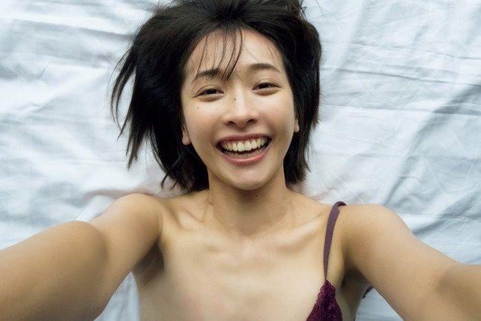 【山崎真実グラビア画像】三十路になっても現役グラドルとして頑張っている美熟女のセクシーヌード 73