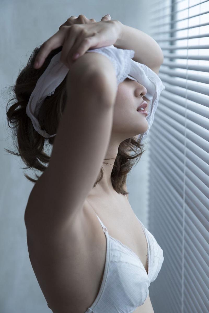 【永尾まりやグラビア画像】元AKB48アイドルが披露するグラビアアイドルにも負けないセクシーショット! 27