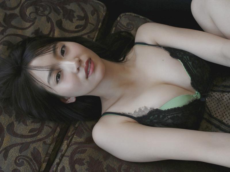 【永尾まりやグラビア画像】元AKB48アイドルが披露するグラビアアイドルにも負けないセクシーショット! 75