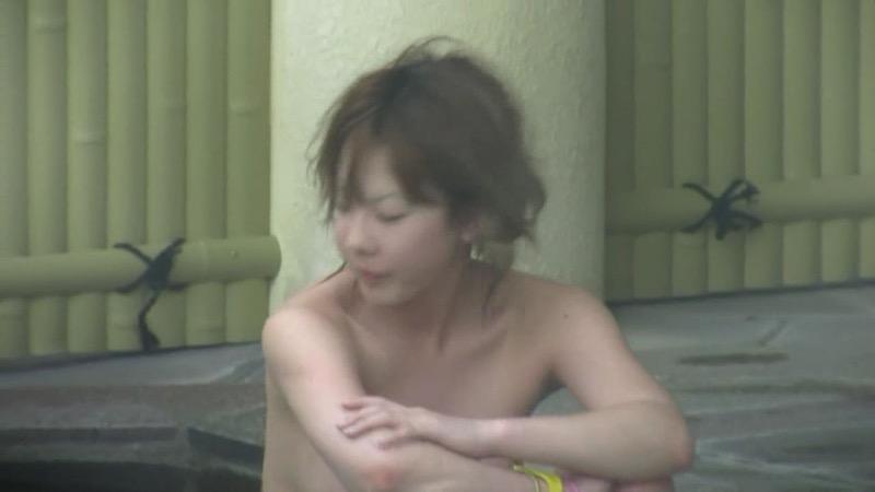 【温泉盗撮エロ画像】温泉地で疲れを癒やしている素人女性たちのあられもない姿をこっそり撮影したったwwww 68