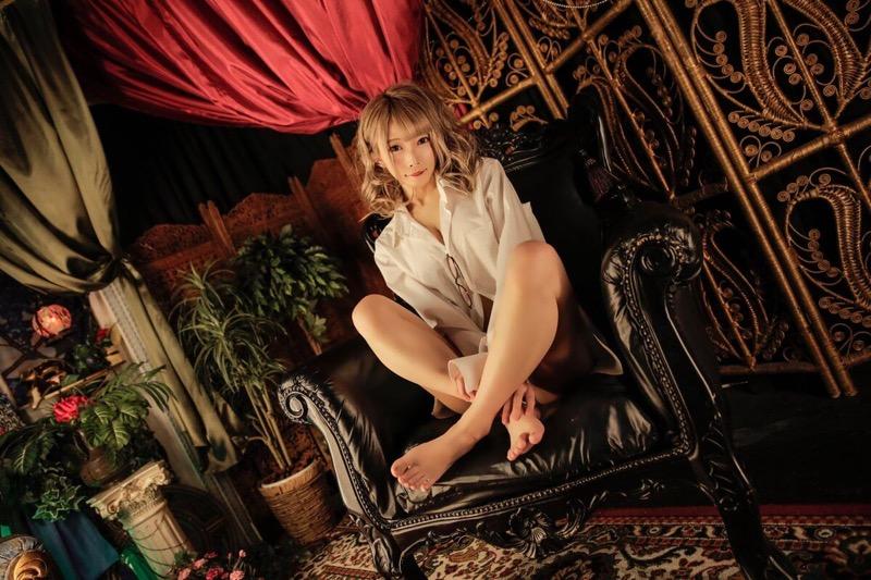 【山吹りょうエロ画像】ギャル系ギタリストでコスプレもこなすデビューしたてもエロかわグラビアアイドル 71