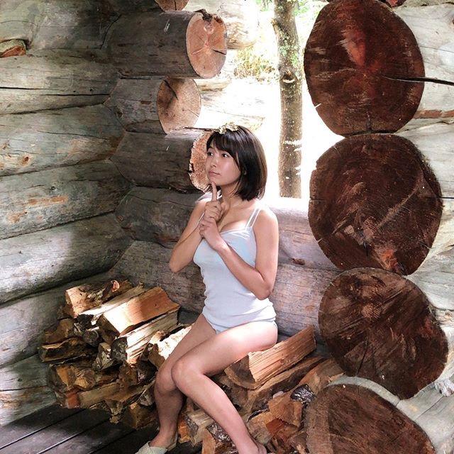【寺本莉緒エロ画像】現役女子高生とは思えない大人びた表情と巨乳ボディがエロくて人気爆発中! 64