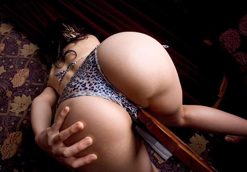 【美尻エロ画像】ぷりんぷりんな柔らかそうな肉付きで触ると気持ち良さそうなエッチな美尻のお姉さん 78