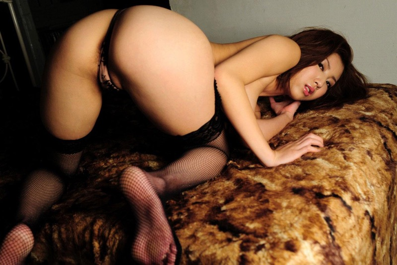 【美尻エロ画像】ぷりんぷりんな柔らかそうな肉付きで触ると気持ち良さそうなエッチな美尻のお姉さん 79
