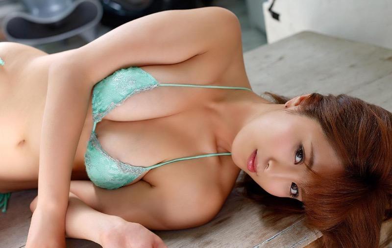 【柳いろはグラビア画像】紐ビキニから今にもハミ乳ポロリしそうなたわわなGカップ巨乳がめちゃエロ! 94