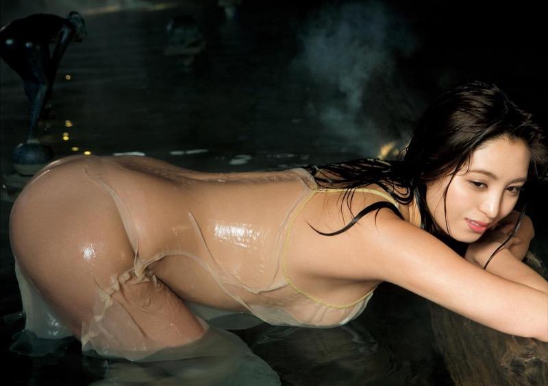 【柳いろはグラビア画像】紐ビキニから今にもハミ乳ポロリしそうなたわわなGカップ巨乳がめちゃエロ! 98