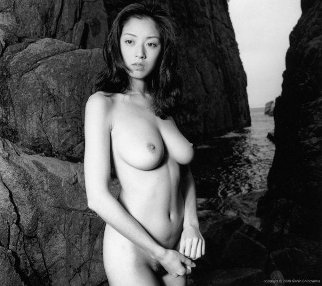 【芸能人ヌード画像】セックスシーンや写真集でヘアまで晒した滅多に見られない美人女優の全裸姿! 08