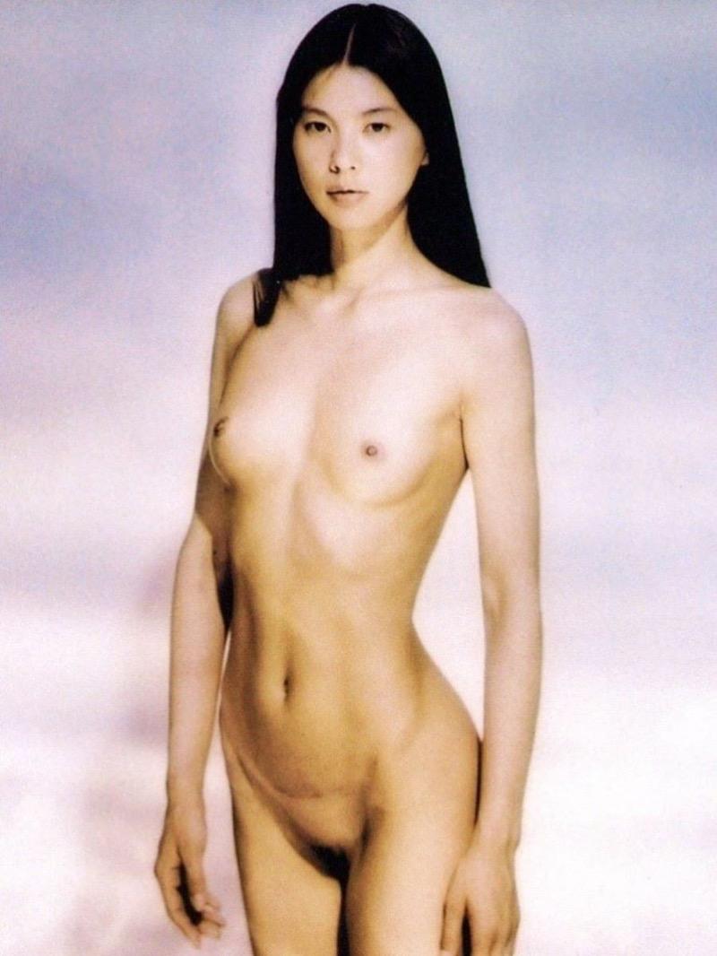 【芸能人ヌード画像】セックスシーンや写真集でヘアまで晒した滅多に見られない美人女優の全裸姿! 76