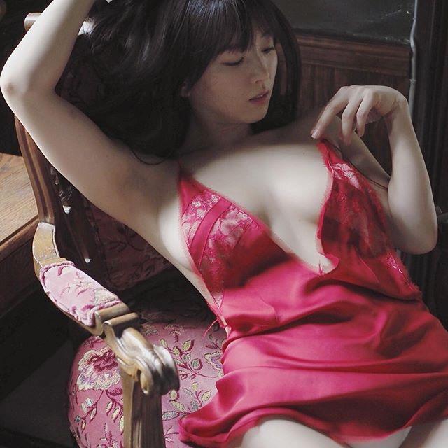【園都エロ画像】グラビアで引っ張りだこという忙しい毎日を送っているGカップ美女の自撮りがこちら! 61