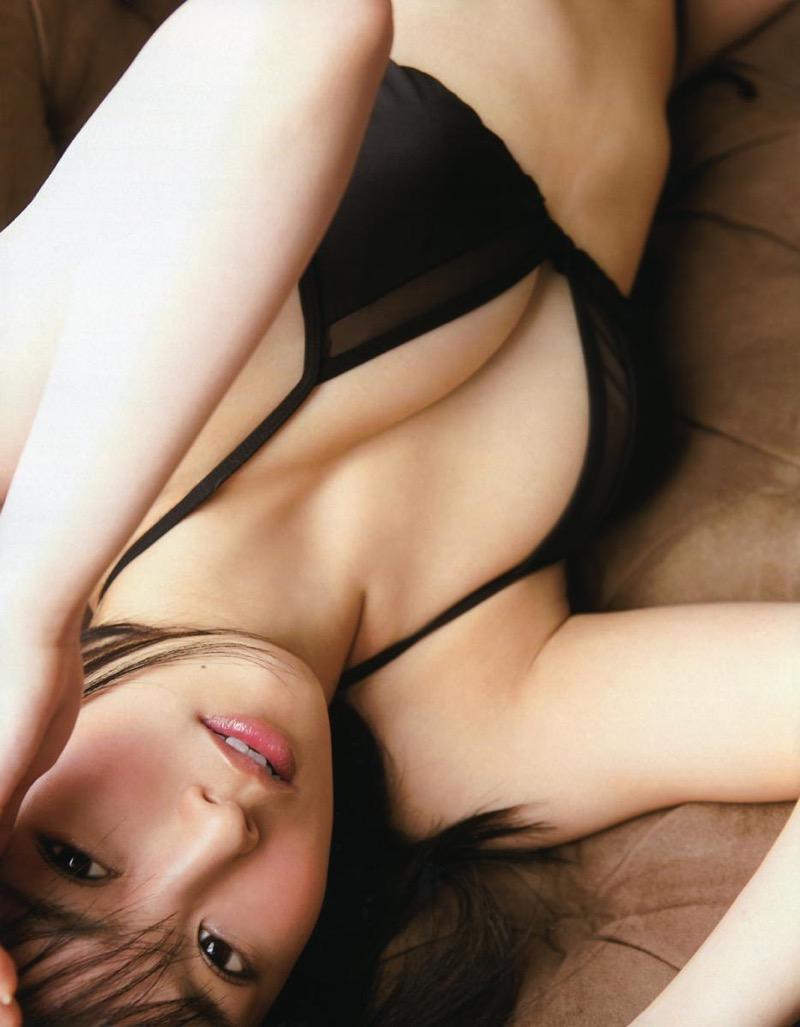 【山本彩グラビア画像】NMB48卒業後もソロシンガーとして歌手活動を貫いているスタイル抜群なお姉さん 37