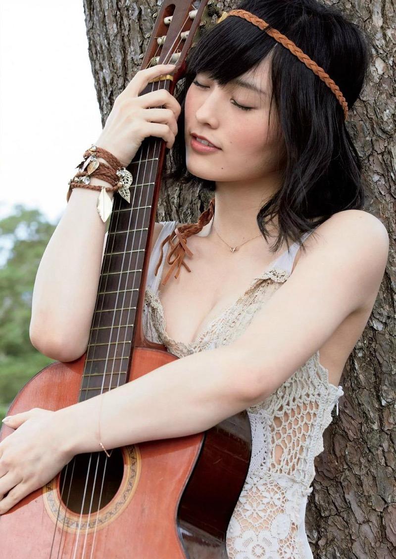 【山本彩グラビア画像】NMB48卒業後もソロシンガーとして歌手活動を貫いているスタイル抜群なお姉さん 46