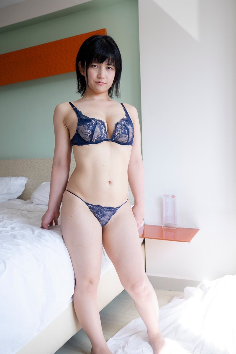 【加賀美あみエロ画像】元水泳選手っぽいショートヘアがボーイッシュなEカップ巨乳のグラビアアイドル 29