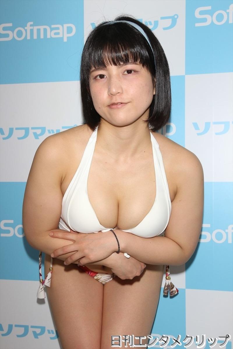 【加賀美あみエロ画像】元水泳選手っぽいショートヘアがボーイッシュなEカップ巨乳のグラビアアイドル 65