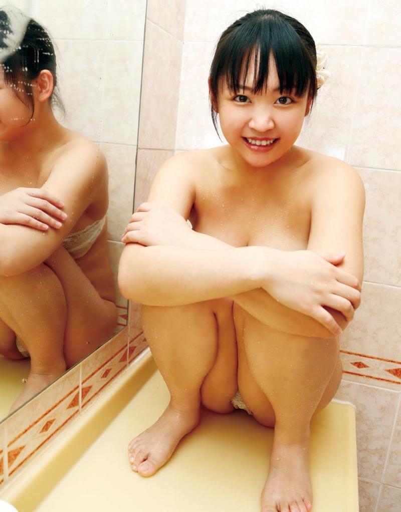 【ゆうみグラビア画像】ジュニアアイドルの頃から変わらない過激さが抜けるHカップ爆乳の童顔グラドル 30