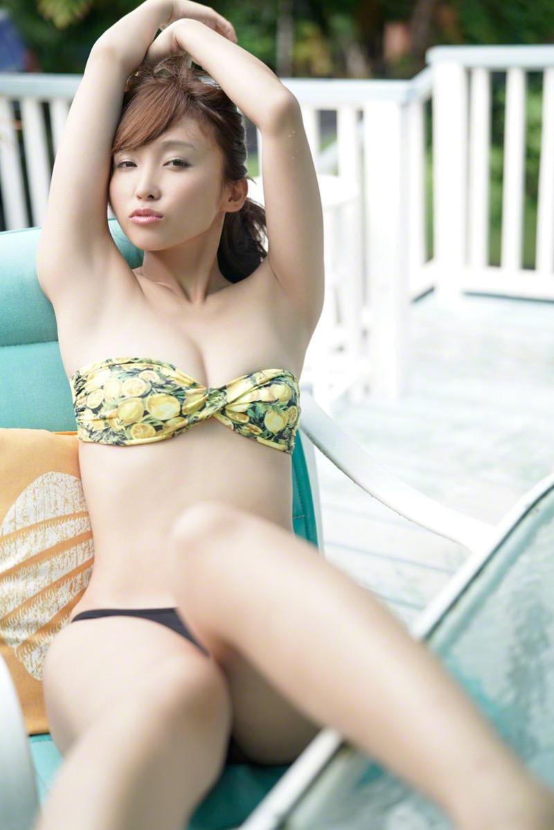 【吉木りさグラビア画像】キレイなマタニティ姿を披露した今年秋に出産予定の元グラビアアイドル 33