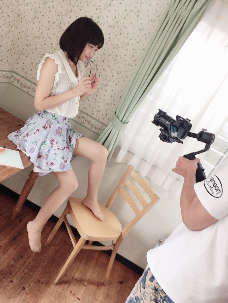 【松山あおいエロ画像】アニメ主題歌を歌いたくて自分でTVアニメを作っちゃった童顔お姉さんwwww 68