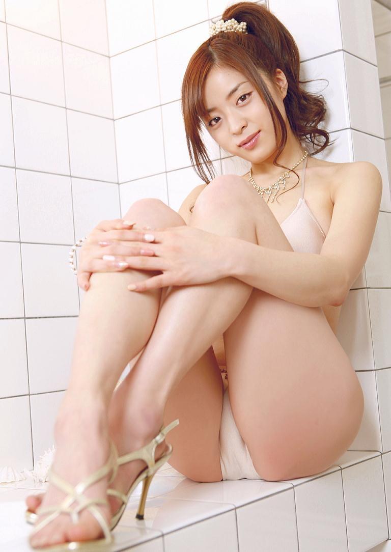 【和田絵莉グラビア画像】オッパイは大きくないけどスレンダーなりのエロいボディラインがたまらんwwww 17