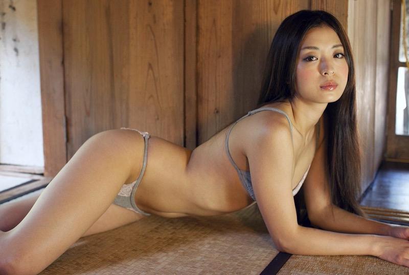 【和田絵莉グラビア画像】オッパイは大きくないけどスレンダーなりのエロいボディラインがたまらんwwww 72