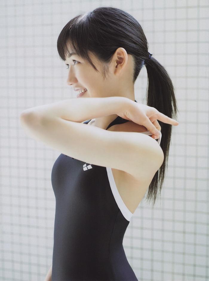 【渡辺麻友グラビア画像】笑顔が可愛いAKB48アイドルまゆゆのちょっとエッチなビキニ姿でヌキたい! 08