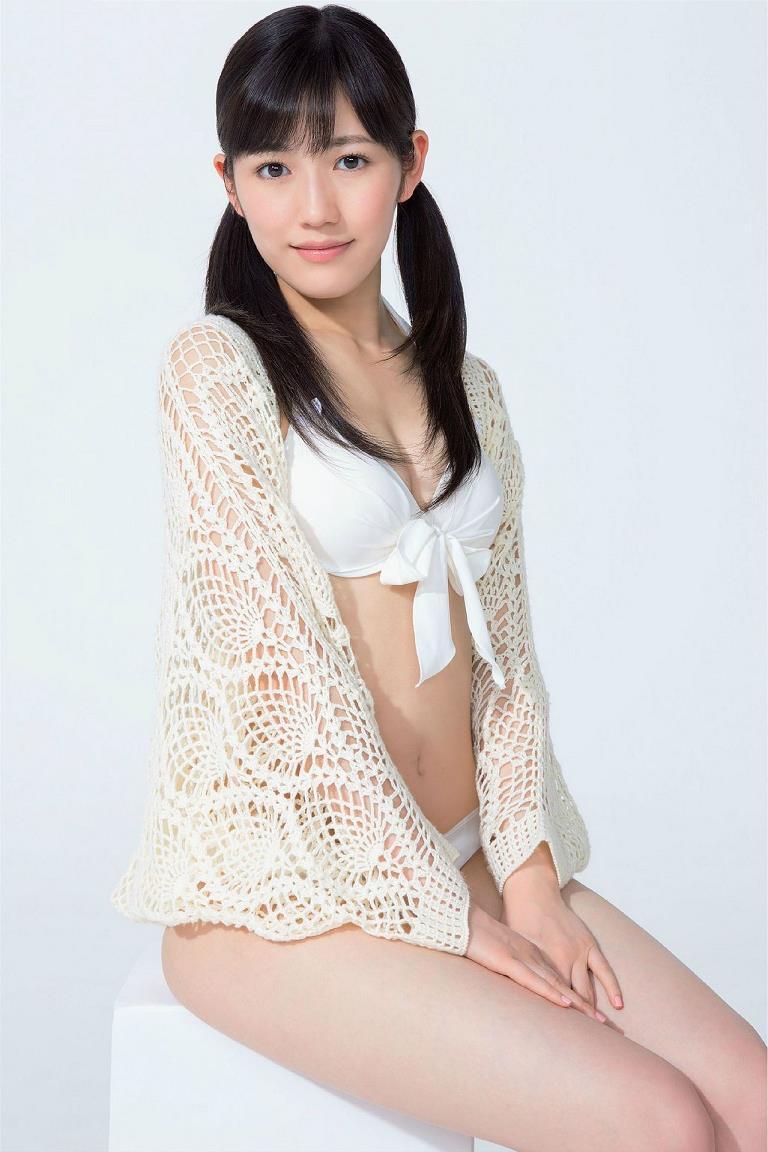 【渡辺麻友グラビア画像】笑顔が可愛いAKB48アイドルまゆゆのちょっとエッチなビキニ姿でヌキたい! 20
