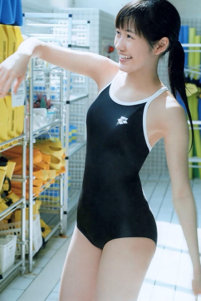 【渡辺麻友グラビア画像】笑顔が可愛いAKB48アイドルまゆゆのちょっとエッチなビキニ姿でヌキたい! 27