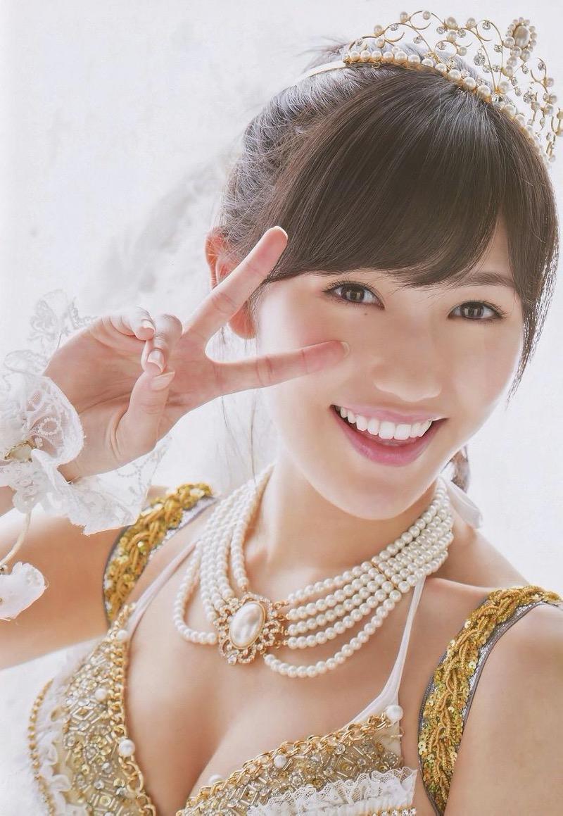 【渡辺麻友グラビア画像】笑顔が可愛いAKB48アイドルまゆゆのちょっとエッチなビキニ姿でヌキたい! 38