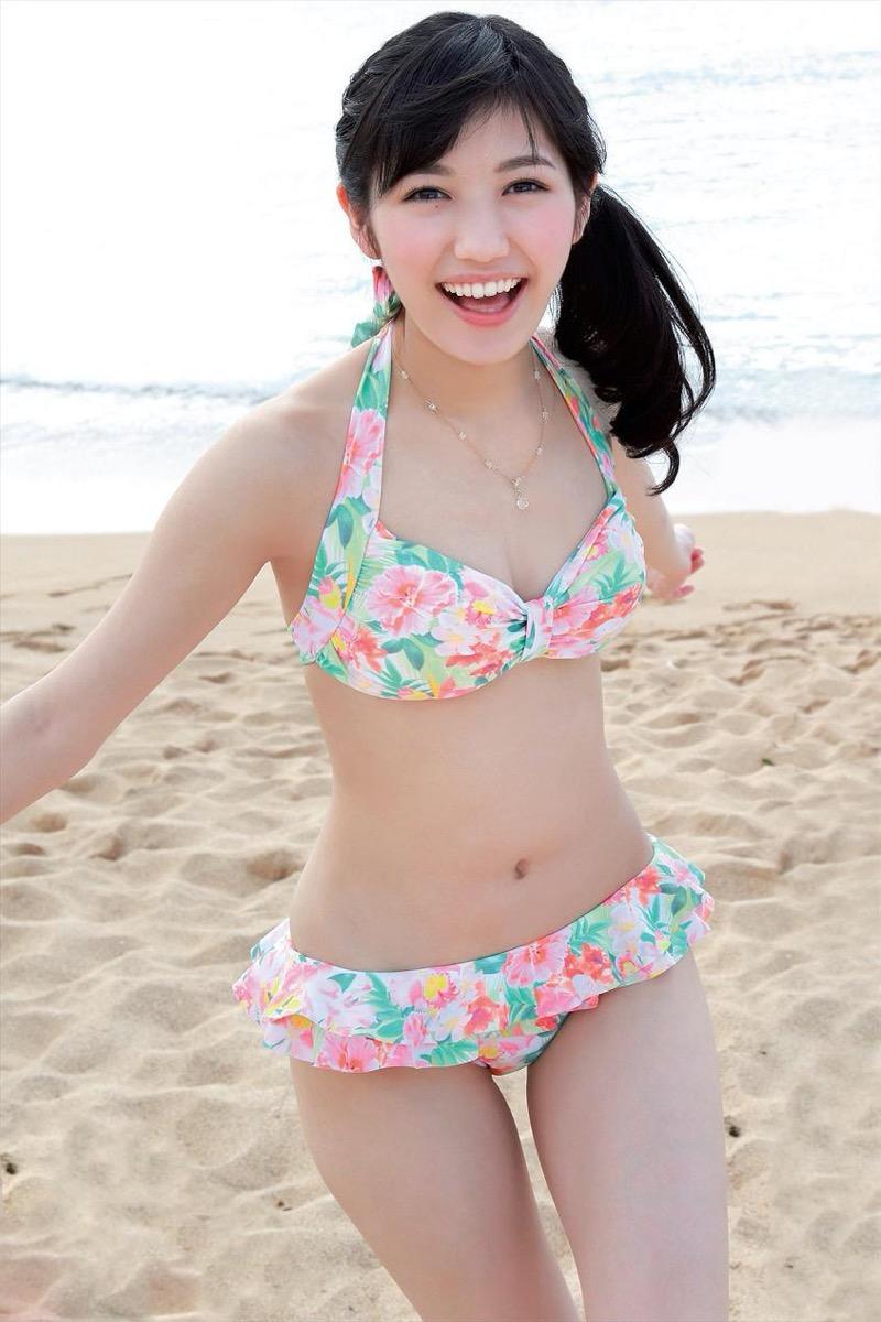 【渡辺麻友グラビア画像】笑顔が可愛いAKB48アイドルまゆゆのちょっとエッチなビキニ姿でヌキたい! 40