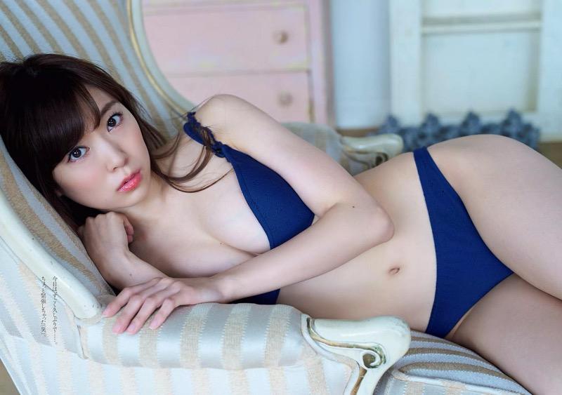【渡辺美優紀グラビア画像】AKBグループの元アイドルが今まで披露してきた谷間全開な水着姿の数々がこちら! 11