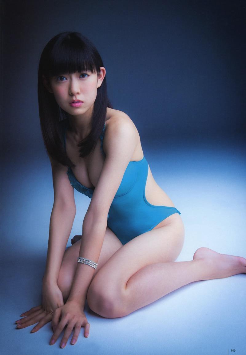 【渡辺美優紀グラビア画像】AKBグループの元アイドルが今まで披露してきた谷間全開な水着姿の数々がこちら! 76