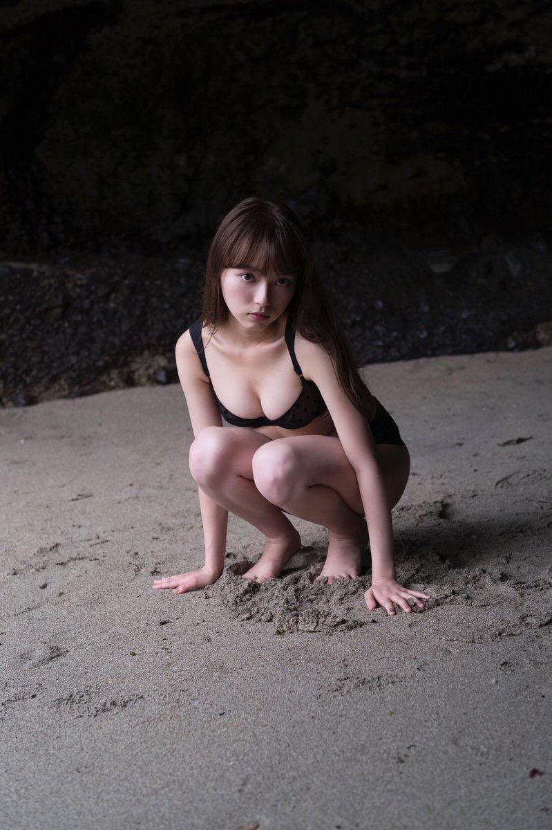 【小室さやかエロ画像】アイドルのような顔立ちとグラドルの様なエロい体つきのギャップがエロい! 48