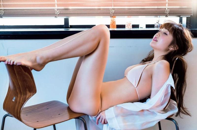 【美女の水着エロ画像】美人モデルがビキニ等のエッチな水着姿でグラビアを飾ったセクシー画像がこちら! 03