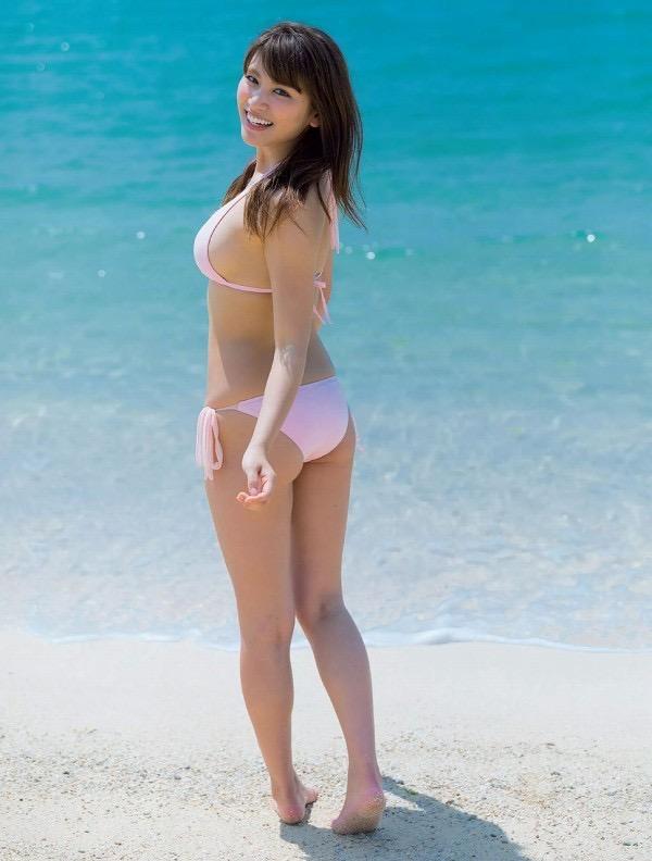 【美女の水着エロ画像】美人モデルがビキニ等のエッチな水着姿でグラビアを飾ったセクシー画像がこちら! 13
