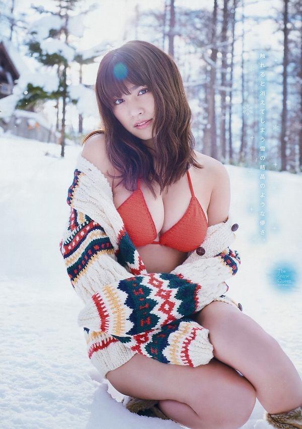 【美女の水着エロ画像】美人モデルがビキニ等のエッチな水着姿でグラビアを飾ったセクシー画像がこちら! 41