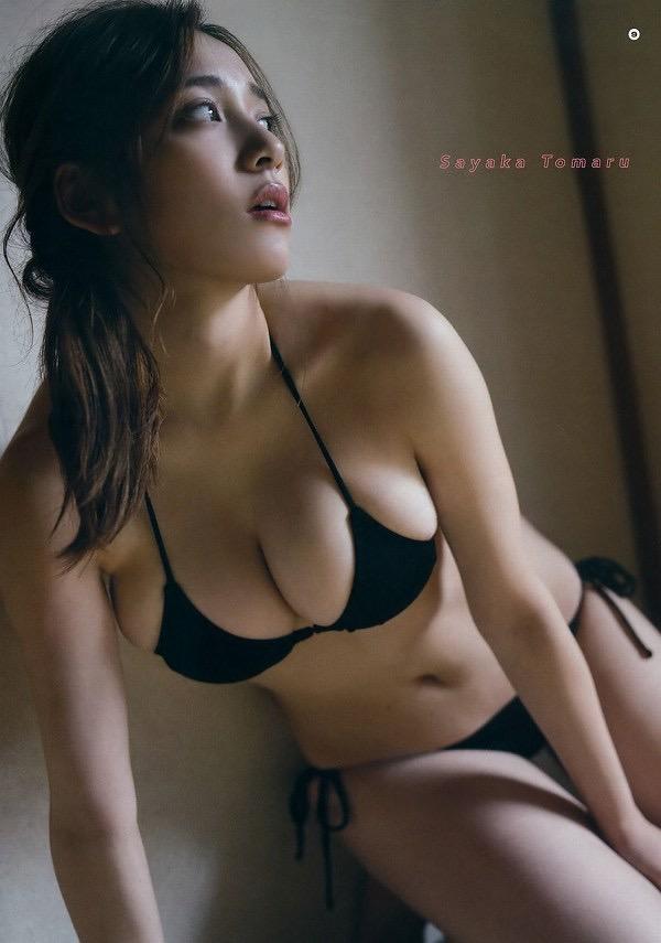 【美女の水着エロ画像】美人モデルがビキニ等のエッチな水着姿でグラビアを飾ったセクシー画像がこちら! 51