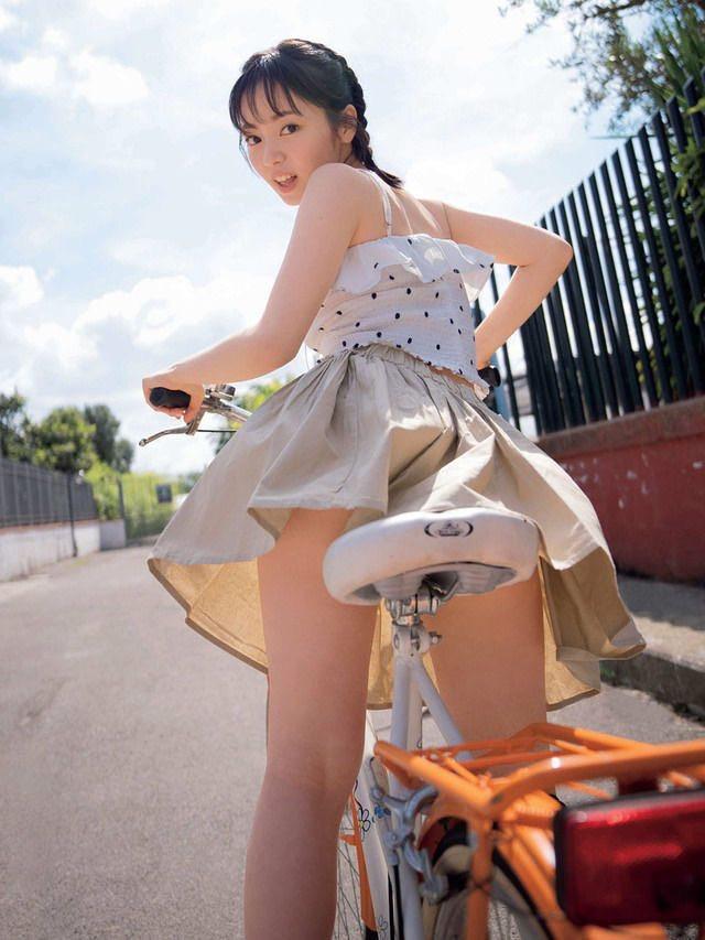 【今泉佑唯エロ画像】アイドルグループ欅坂46で一期生を務めた美少女の健康的なグラビア画像 12
