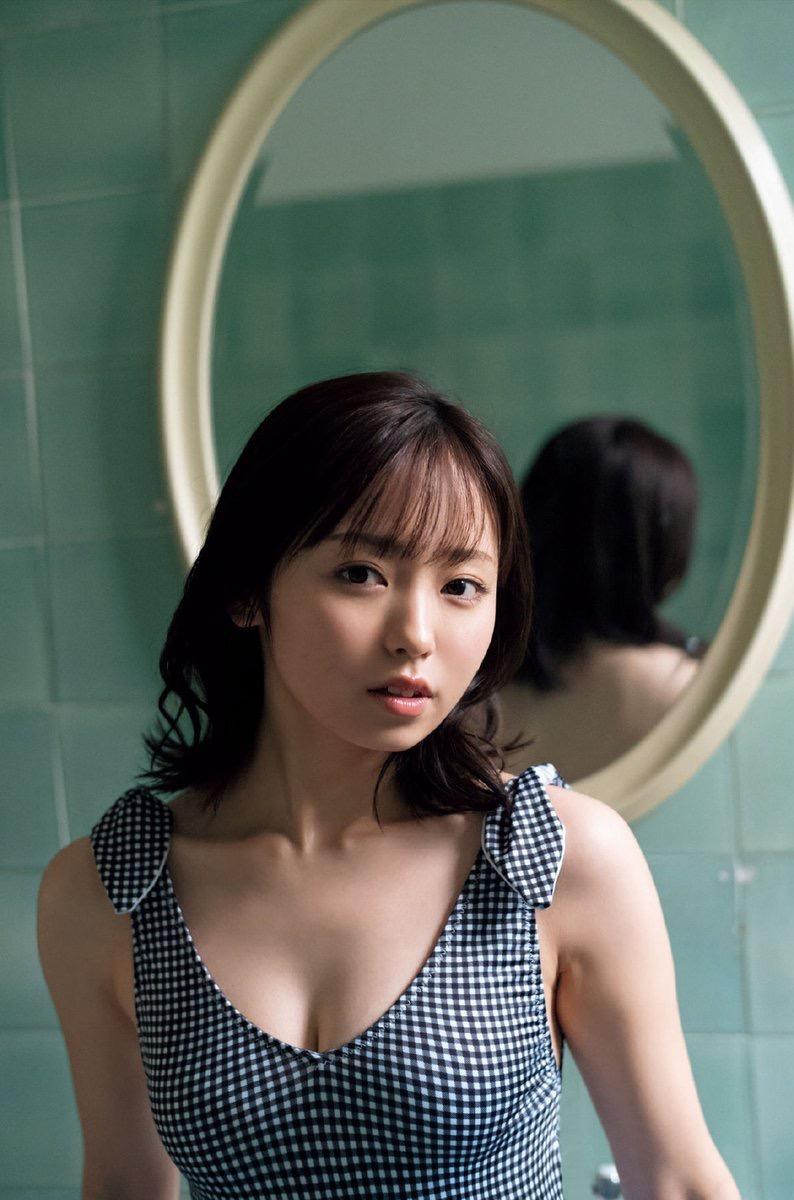 【今泉佑唯エロ画像】アイドルグループ欅坂46で一期生を務めた美少女の健康的なグラビア画像 44