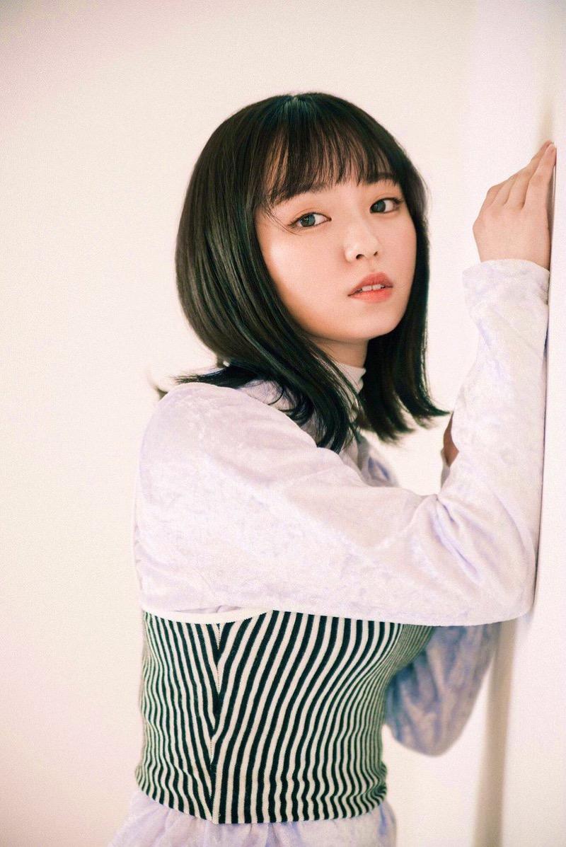 【今泉佑唯エロ画像】アイドルグループ欅坂46で一期生を務めた美少女の健康的なグラビア画像 50