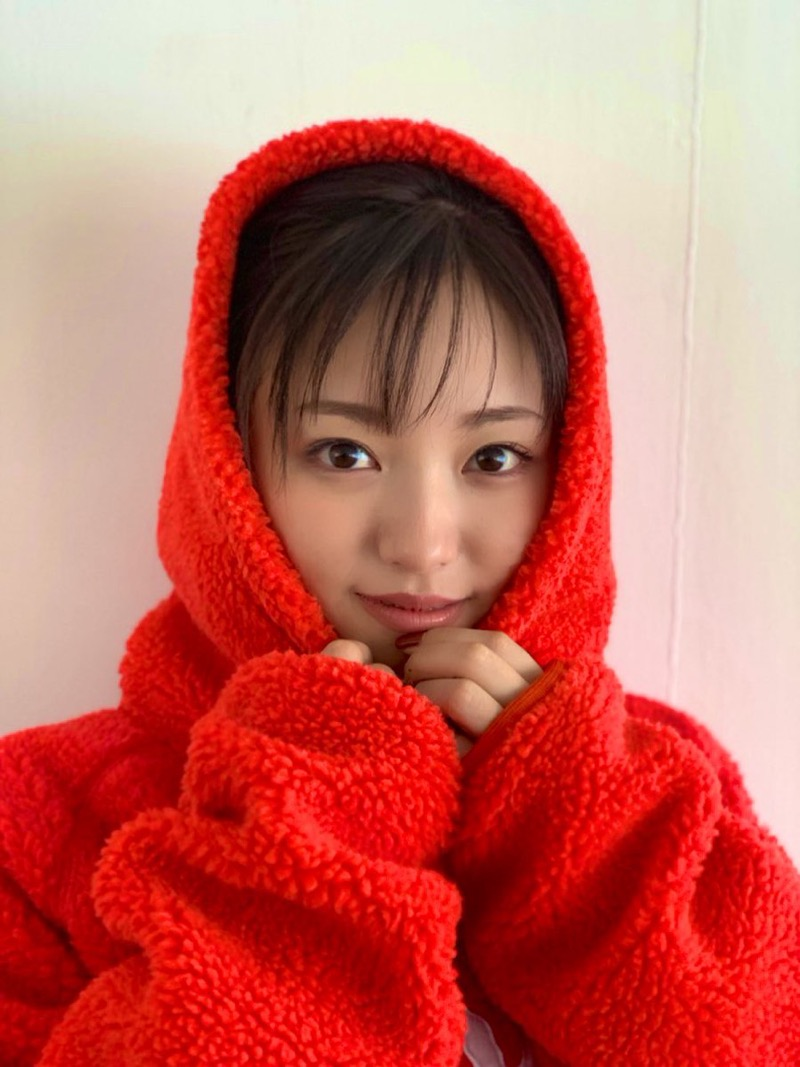 【今泉佑唯エロ画像】アイドルグループ欅坂46で一期生を務めた美少女の健康的なグラビア画像 56