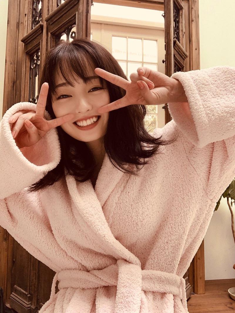 【今泉佑唯エロ画像】アイドルグループ欅坂46で一期生を務めた美少女の健康的なグラビア画像 57