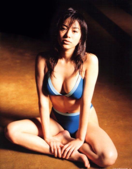 【井川遥グラビア画像】40歳を越えて近頃インスタで綺麗と囁かれている美熟女が昔撮ったセクシー画像 04