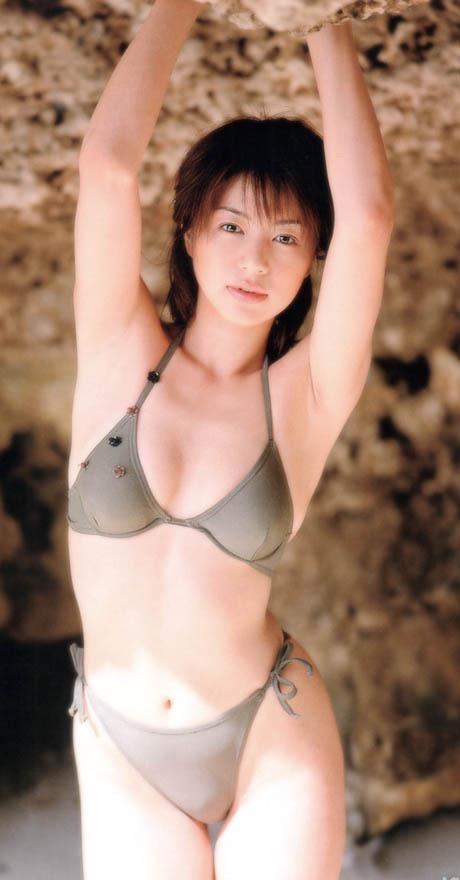 【井川遥グラビア画像】40歳を越えて近頃インスタで綺麗と囁かれている美熟女が昔撮ったセクシー画像 05