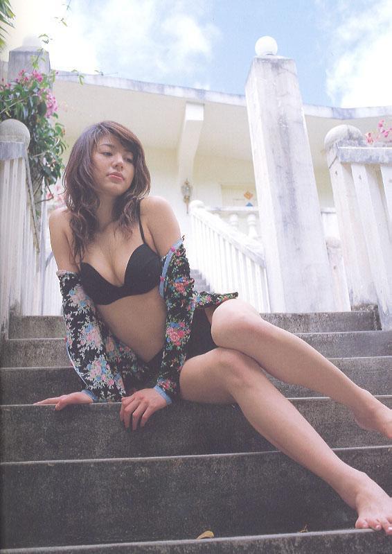 【井川遥グラビア画像】40歳を越えて近頃インスタで綺麗と囁かれている美熟女が昔撮ったセクシー画像 10