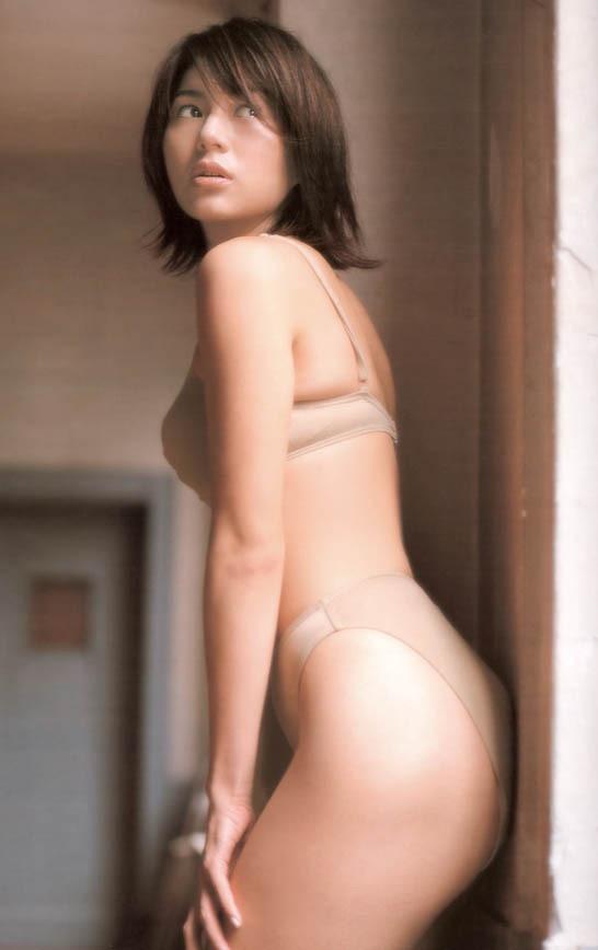 【井川遥グラビア画像】40歳を越えて近頃インスタで綺麗と囁かれている美熟女が昔撮ったセクシー画像 21