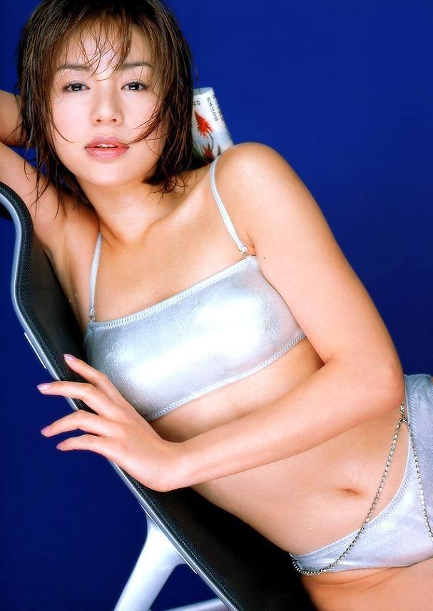 【井川遥グラビア画像】40歳を越えて近頃インスタで綺麗と囁かれている美熟女が昔撮ったセクシー画像 25